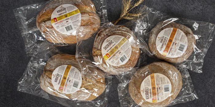 #krušne zgodbe: Družina kruhov iz Domače dopeke